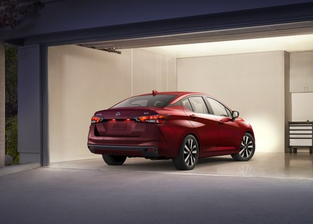 Nissan Versa 2020 7