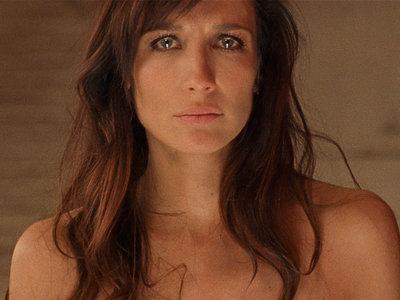 'Most Beautiful Island': el sucio, incómodo y asfixiante sueño americano de una cineasta española