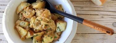 Ensalada de patatas asadas con chalotas pochadas y crema fresca