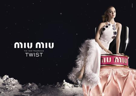 Miu Miu nos lleva a la luna con Twist (su última fragancia) y Elle Fanning como protagonista