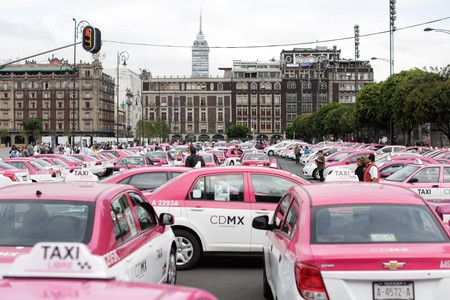 CDMX creará una base de datos de todos los taxistas y chóferes de trasporte público, mientras prepara otra app estilo Uber