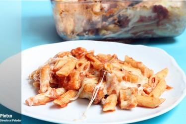 Receta de penne rigate con pollo parmesano