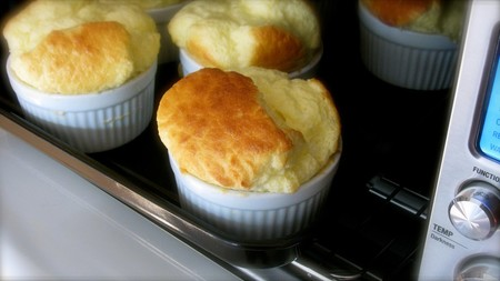 Classic Cheese Souffles In Individual Ramekins 3of4 Bov800xl 8735165029