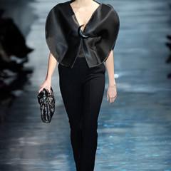 Foto 11 de 16 de la galería armani-prive-alta-costura-primavera-verano-2010-vestidos-de-noche-inspirados-en-la-luna en Trendencias