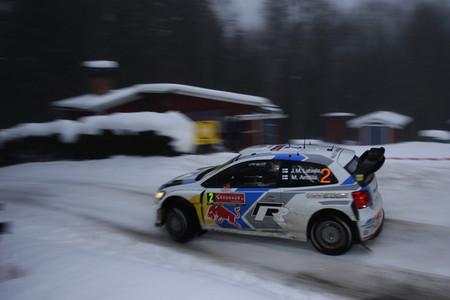 Rally de Suecia 2014: Jari-Matti Latvala aguanta en cabeza, descalabro de Hyundai (actualizado)