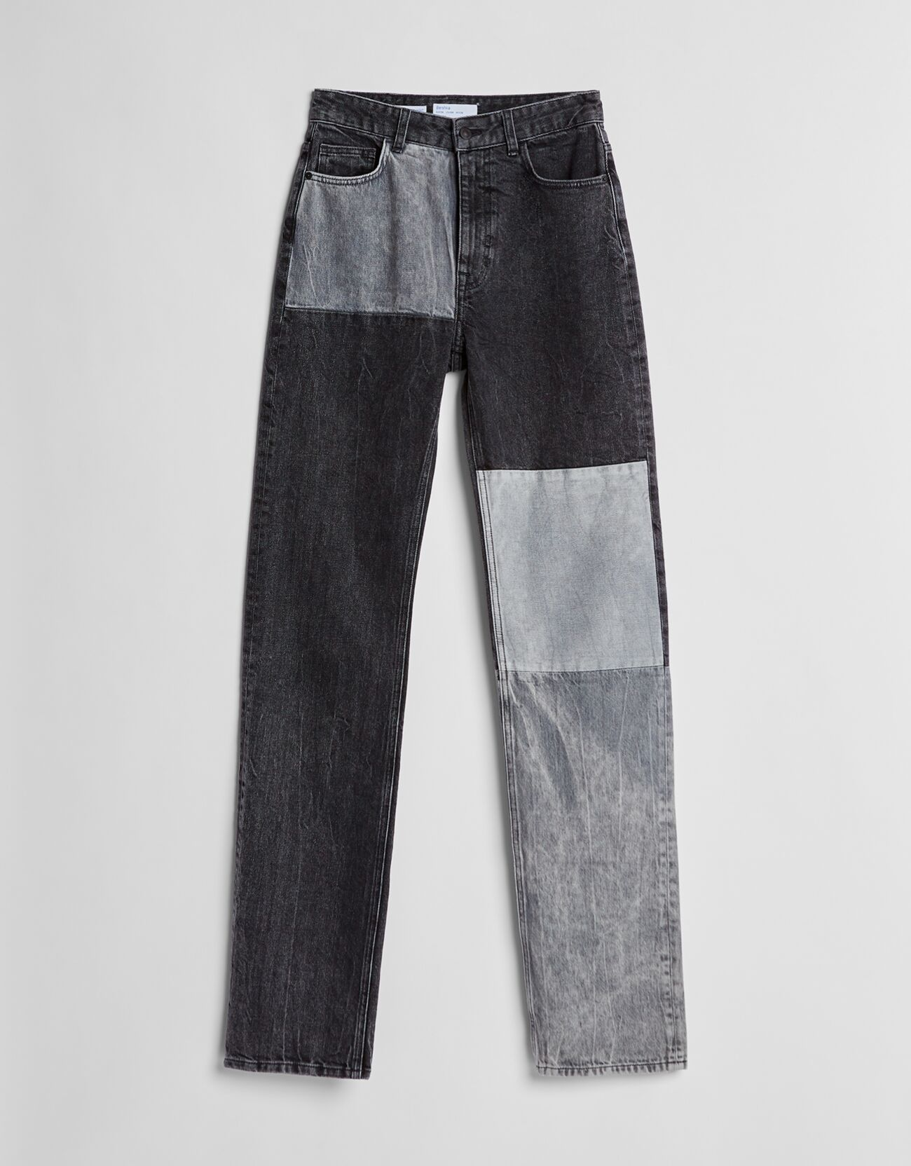 Jeans straight high waist paneles contraste.