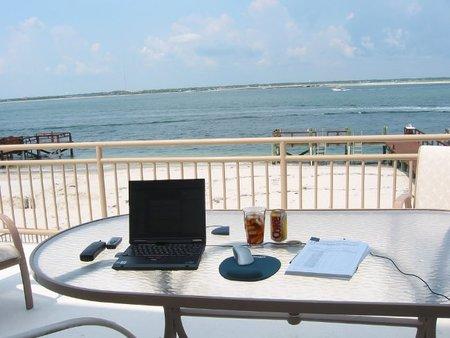 La tecnología no nos deja desconectar en vacaciones