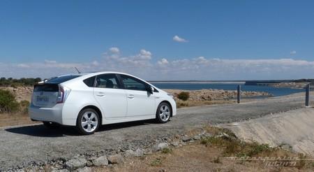 Toyota Prius 2012 trasera