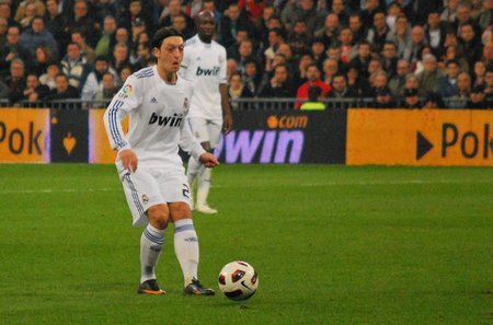 Codere demanda al Real Madrid y a bwin.com por la publicidad