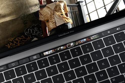 Touch Bar de Apple, RIP (2016 - 2021): los MacBook Pro del arrepentimiento entierran el más icónico de los errores de 2016