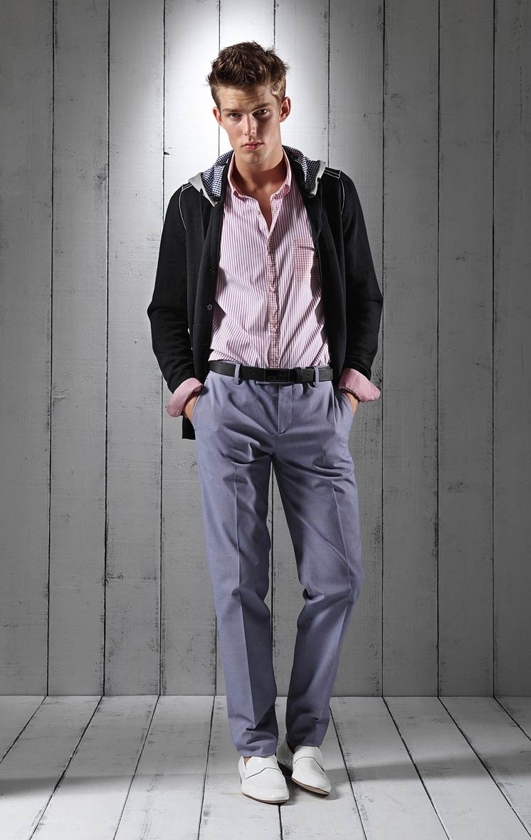 Foto de Lookbook primaveral: Love Moschino Men Primavera-Verano 2011 (15/23)