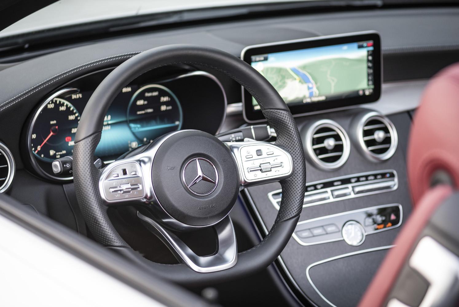 Foto de Mercedes-Benz Clase C 2018, toma de contacto (78/255)