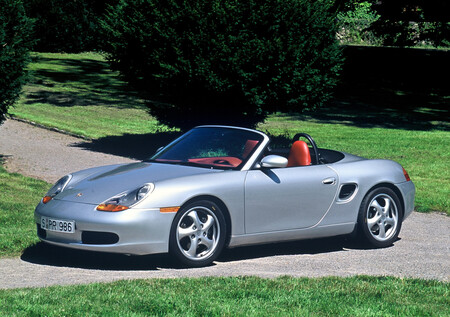 Porsche Boxster en su 25 cumpleaños: de tomar prestados retales del 996 a un 982 que roza la perfección dinámica