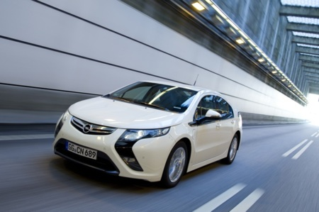 Opel Ampera en el túnel