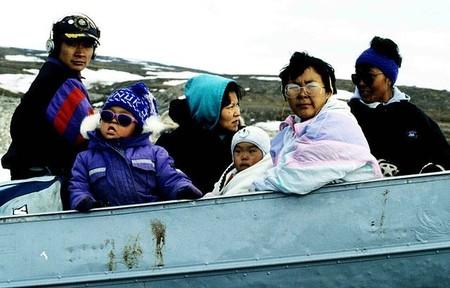 Corazón de foca, cerebro de caribú y otras cosas repugnantes que son capaces de comer los inuit