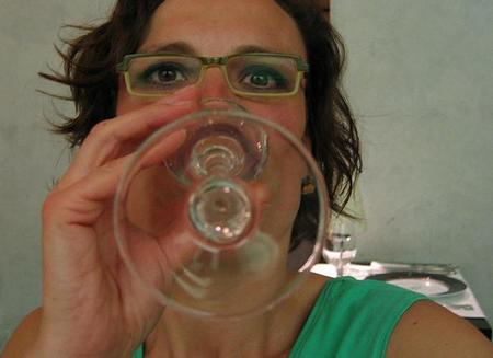 Consumir alcohol antes del primer embarazo aumenta el riesgo de cáncer de mama