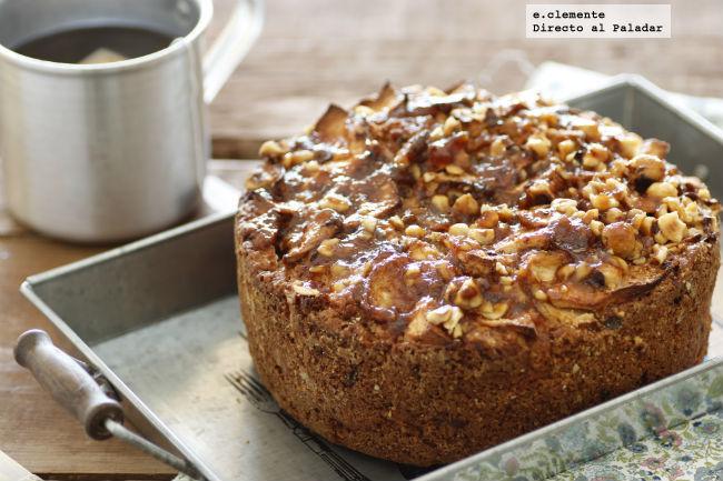 Cake de manzana con crujiente de avellanas