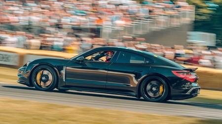 Porsche Taycan 30,000 reservas