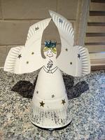 Cómo hacer un ángel de Navidad con un plato de cartón