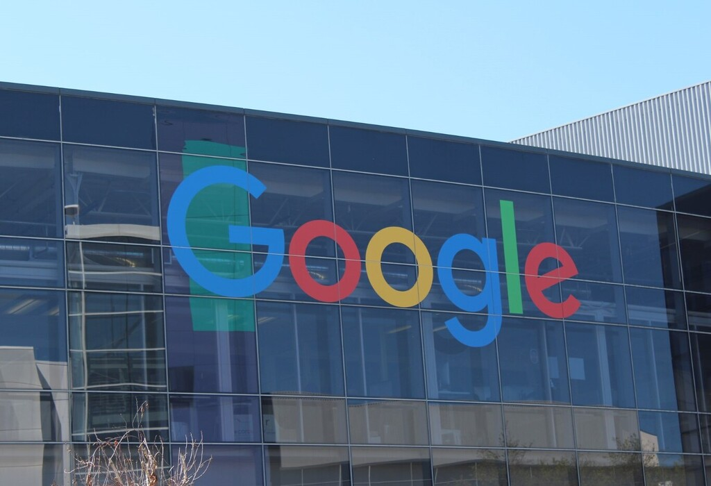 Google despide a una investigadora que atribuye la decisión a su denuncia del sesgo en la inteligencia artificial