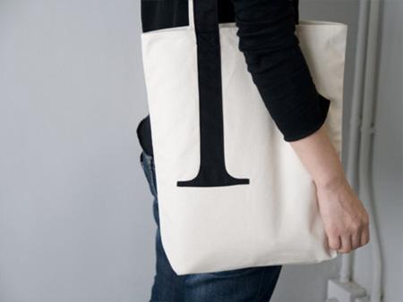 Una bolsa con serif
