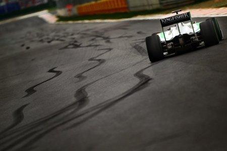 Adrian Sutil y marcas de neumáticos en Yeongam