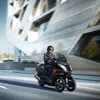 ¿Dudando entre el coche o la moto? No olvides el nuevo Peugeot Metropolis