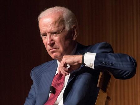 """Biden dice que Facebook está """"matando gente"""" con desinformación sobre COVID-19, Facebook responde que dudas sobre vacuna disminuyen en EU"""