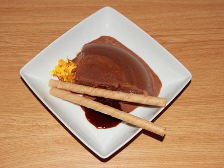 Helado sin lactosa de chocolate con aroma de naranja