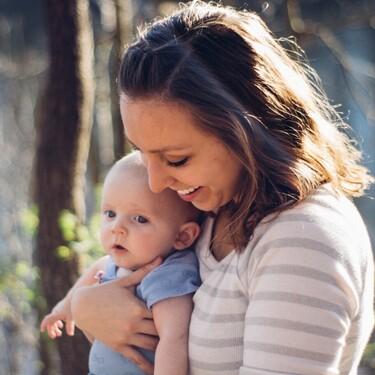 Una madre de familia monoparental logra sumar el permiso de paternidad al de maternidad, un derecho que debería generalizarse