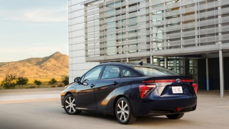 2016 Toyota Fuel Cell Vehicle 005 2 970x546 C