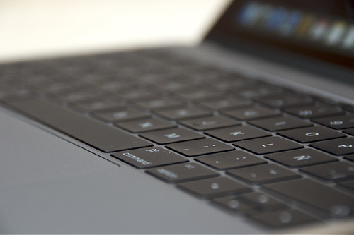Algunos teclados de los MacBook sufren problemas por el polvo y otros elementos, ésta son las soluciones posibles