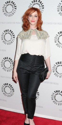 Un nuevo look de Christina Hendricks, ¡con pantalones!