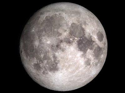 En la Luna hay agua en cualquier latitud