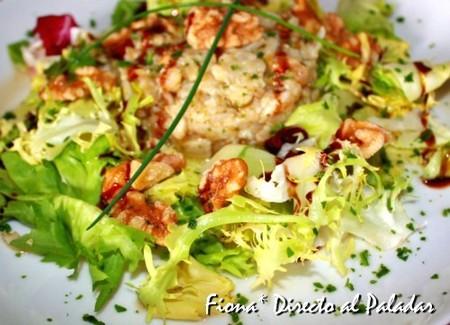Tartar de bacalao a la nuez en ensalada. Receta