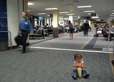 Una buena idea: préstamo de carritos de bebé en los aeropuertos