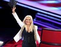 Christina Aguilera recupera su trono en The Voice por un pastizal