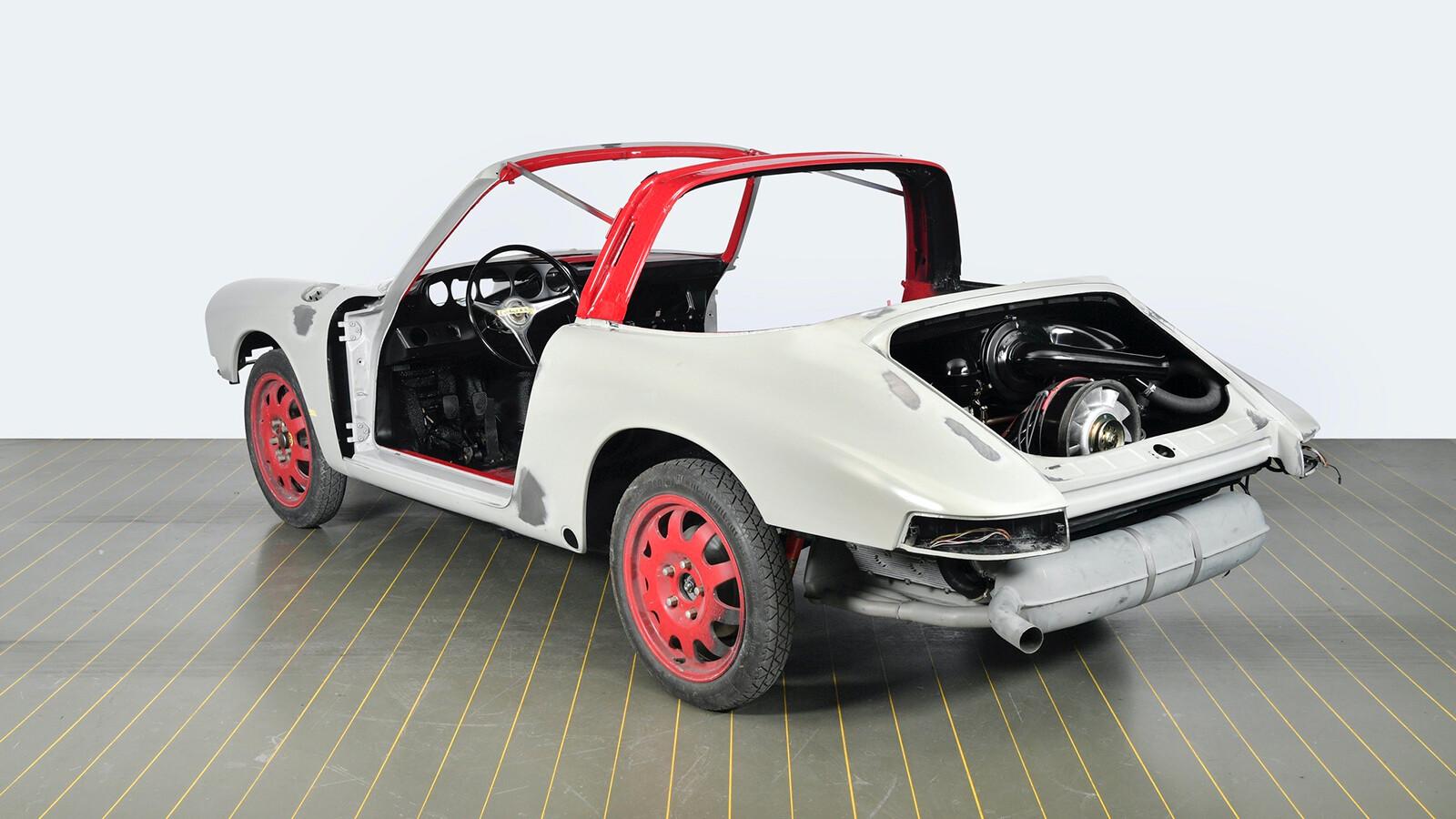 Foto de El Porsche 911 S Targa de 1967 restaurado por Porsche Classic (8/15)