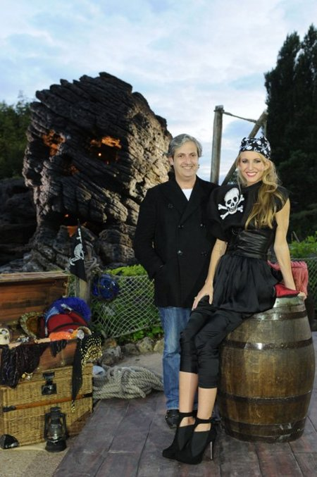 Miguel Palacio y Amaya Arzuaga crean moda pirata