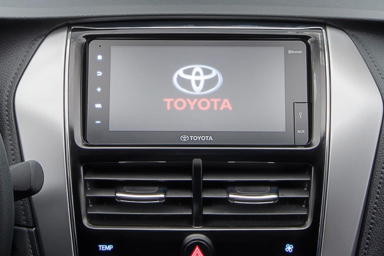 Foto de Toyota Yaris Sedán 2021 (11/12)