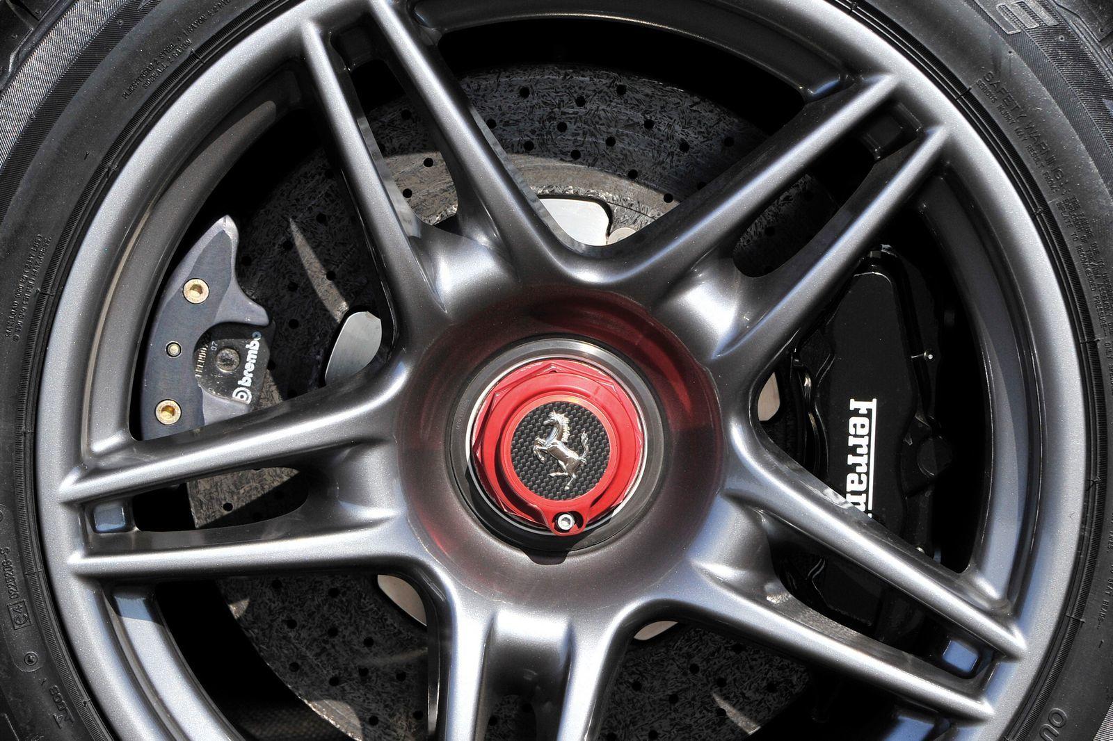 Foto de Ferrari Enzo subasta (20/27)