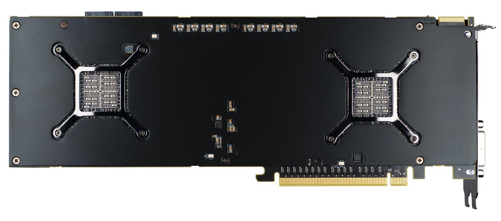AMD 7990, imágenes oficiales (2/9)
