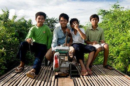 Camboya: El tren de bambú está condenado a desaparecer