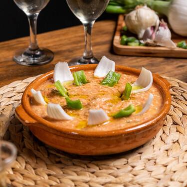 Arranque roteño, la receta tradicional de Cádiz que se convertirá en tu favorita este verano (con vídeo incluido)