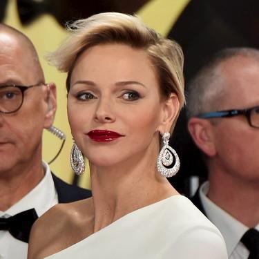 La princesa Charlene deslumbra de blanco en los Premios Laureus del Deporte