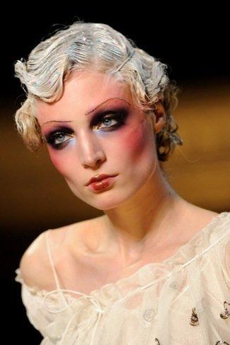 John Galliano Primavera-Verano 2011 maquillaje