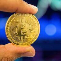 Bitcoin se dispara: llega a superar los 28.000 dólares y la industria habla de valores locos para 2021