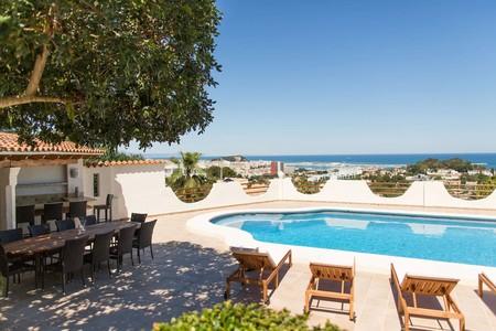 airbnb costa españa