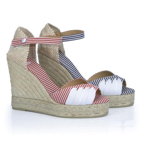 Castañer cambia las slippers por las cuñas en su colección Primavera-Verano 2013