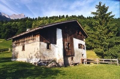 Visitando la casa de Heidi, el abuelito y las cabras